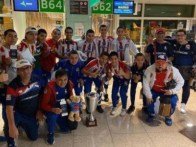 La selección vuela a Paraguay