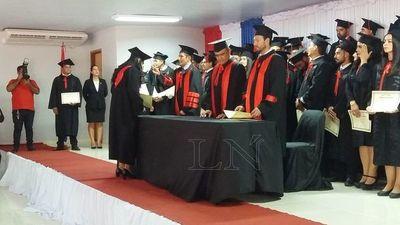 San Pedro: se graduaron 56 nuevos abogados en la filial de la UNA