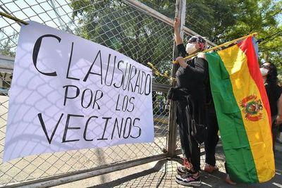 Opositores bolivianos anuncian cierre de fronteras para que renuncie Morales