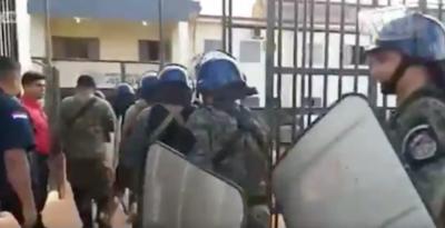 HOY / Requisa en cárcel de Pedro Juan: lanzas, machetes, cuchillos y drogas