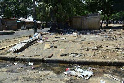 Damnificados se niegan a volver a sus casas por falta de limpieza de desagües