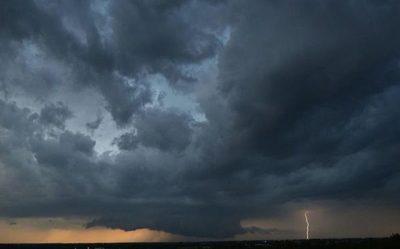 Calor, lluvias y tormentas eléctricas para este martes