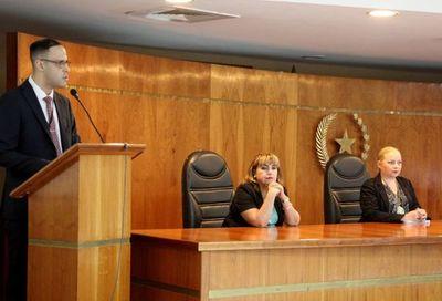 """""""Buen trato a profesionales y usuarios de Justicia"""" siguió"""