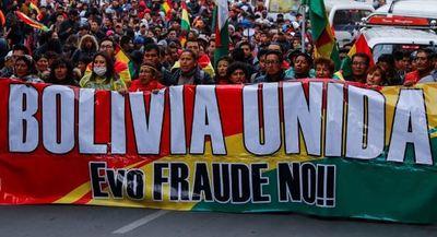 Opositores bolivianos deciden cerrar fronteras hasta que Evo Morales renuncie
