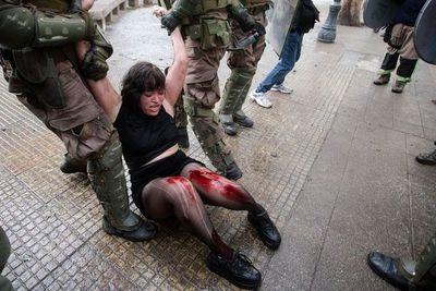Piñera afirma que no dimitirá pese a las protestas