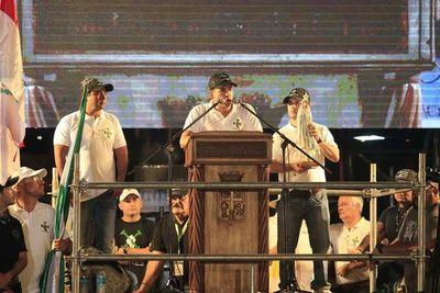 Opositor que busca forzar renuncia de Morales, asediado en aeropuerto de La Paz
