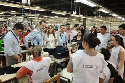 Industria textil contrató 50 personas mediante feria de empleo