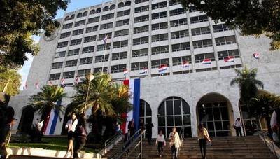 Colegio de abogados pide a la Corte declarar ilegal huelga de funcionarios