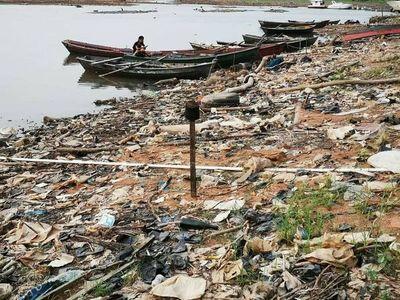 Llamado de urgencia para rescatar el río Paraguay