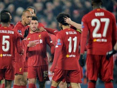 El Liverpool gana con la ley del mínimo esfuerzo