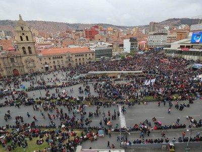 La Paz registra choques entre afines y contrarios a Evo Morales