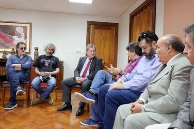 Presidente de la CSJ escuchó a representantes de APA