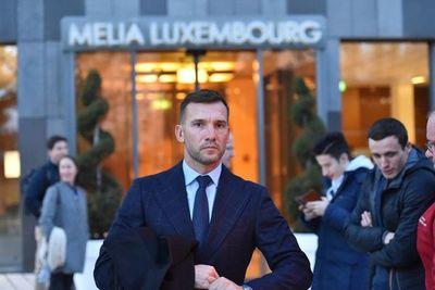 Acusan a Shevchenko de mezclar política y fútbol