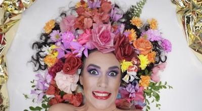 """""""Las mil y una flores"""" llega a la escena local"""
