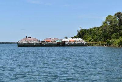 Bajo caudal del Paraná dificulta navegabilidad de embarcaciones en Ayolas