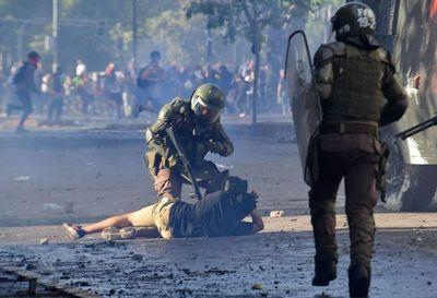 Fiscalía chilena formalizará a 14 policías por dos casos de tortura