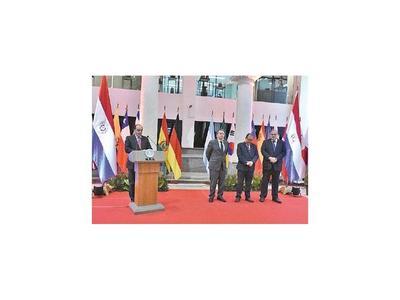 MRE: 16 nuevos ascensos, entre ellos 5  embajadores