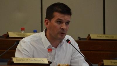 Senador cuestiona intento de matar la aplicación del desbloqueo de listas