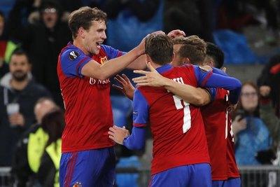 Con los paraguayos, Basel sigue imparable en la Europa League