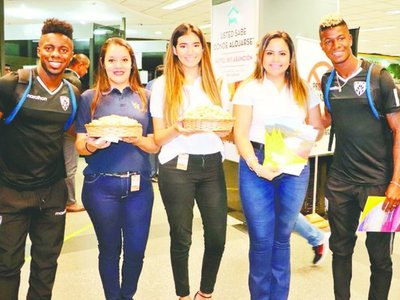 Con chipa y cocido recibieron a los finalistas de la SUDAMERICANA