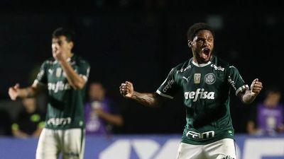 El Palmeiras gana y continúa al acecho