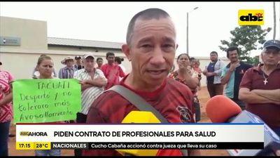 Tacuatí: Piden contrato de profesionales locales para salud