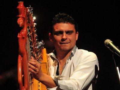 Los sonidos del arpa suenan  en inédito show  en Salto del Guairá