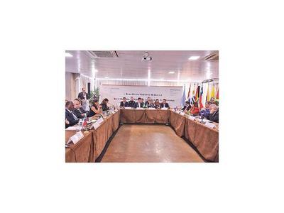 Policías del Mercosur  cruzarán las fronteras    detrás de criminales