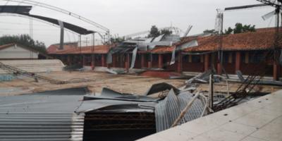 HOY / Escuela de Ñemby quedó destrozada tras temporal