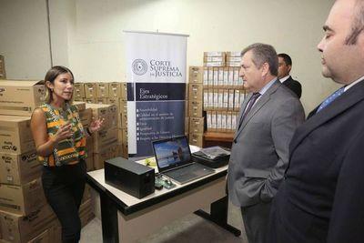 El Presidente Jiménez Rolón inició la recepción de 1.000 equipos informáticos
