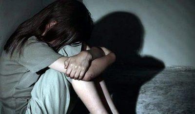 Condenan a 16 años y 6 meses de prisión a un hombre por manosear a su hijastra de 4 años