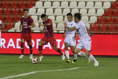 'Ojalá se pudiera poner seis o siete Sergio Díaz en el equipo'