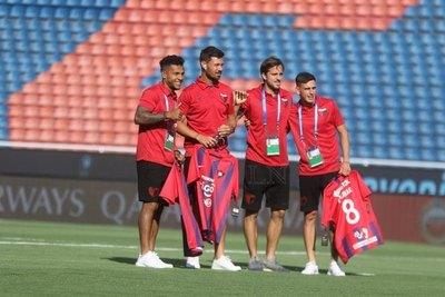 Cerro Porteño regaló una camiseta a cada jugador de Colón