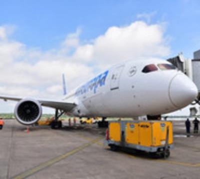 El Boeing 787-8 aterriza en Paraguay