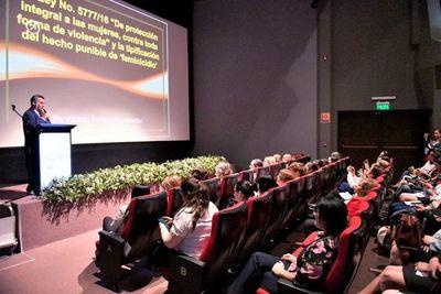 Instituciones se unen para luchar contra el feminicidio