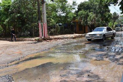 Cloaca inunda céntrica calle  de San Lorenzo