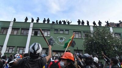 Evo Morales convoca a diálogo y sube tensión al máximo en Bolivia
