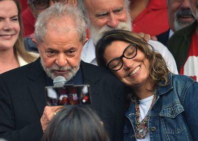 Lula anuncia que está de vuelta y se lanza contra Bolsonaro