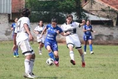 HOY / Libertad-Limpeño y Sol lideran el torneo de las chicas
