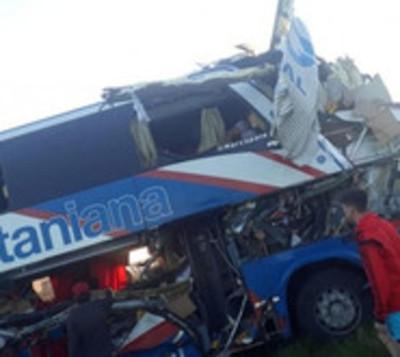 Confirman identidad de muertos en accidente en Argentina