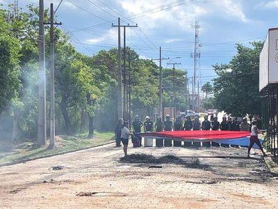 Manifestantes se retiran de frente a la Fiscalía de Concepción