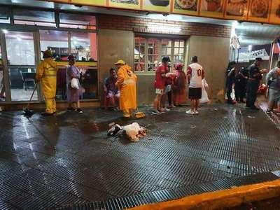 Funcionarios municipales recogieron más de 65 mil de basuras, tras la Sudamericana