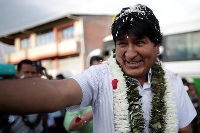 Evo Morales se fue de La Paz y se refugia en Cochabamba, su bastión cocalero