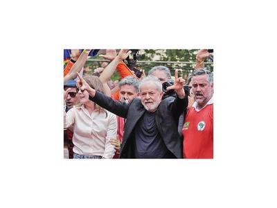 Lula prepara su oposición al presidente Bolsonaro