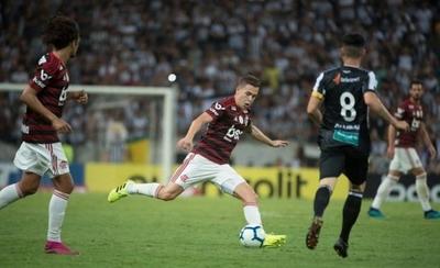 HOY / Flamengo empieza a pedir el título en Brasil