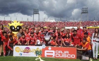 HOY / Cienciano vuelve a la primera división de Perú tras cuatro años de ausencia