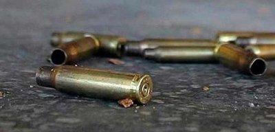 Sicarios asesinan a balazos a dos hombres y hieren a un bebé