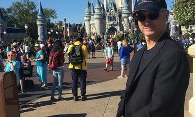 ¡Mega gesto! Este hombre llevó a más de 1000 niños a Disneylandia