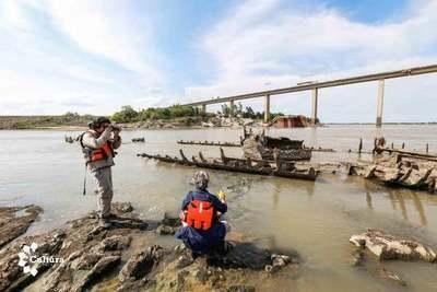 Verificaron estado del buque de la Guerra encallado en el río Paraguay
