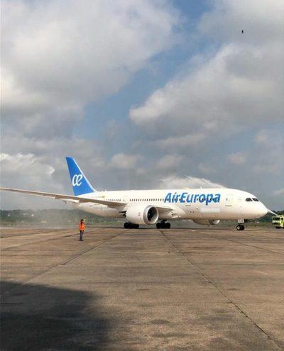 Aterriza Boeing 787 en Paraguay